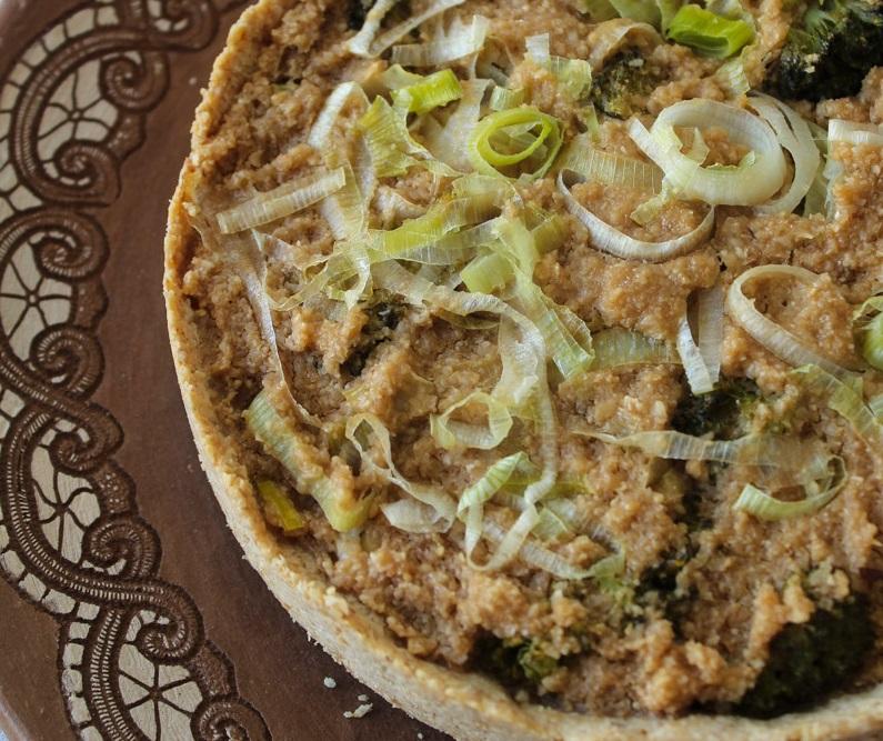 Torta de alho poró e brócolis