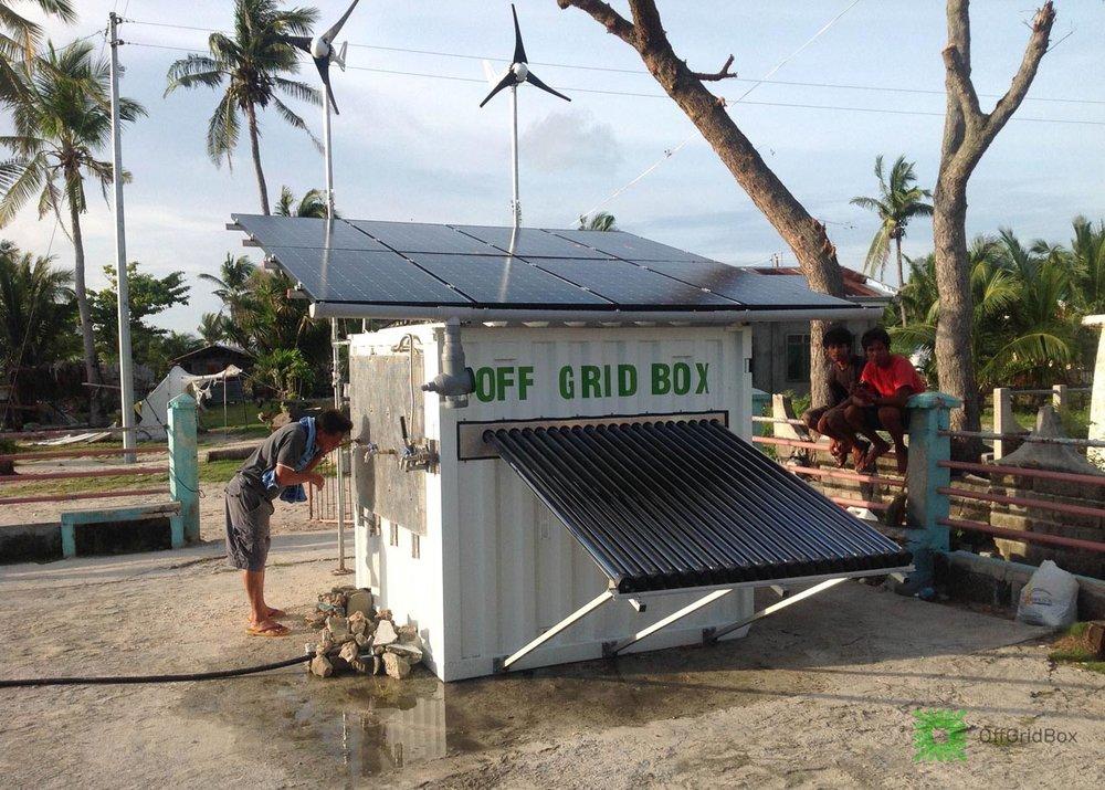 Italiano cria caixa compacta que fornece água potável e energia solar - CicloVivo