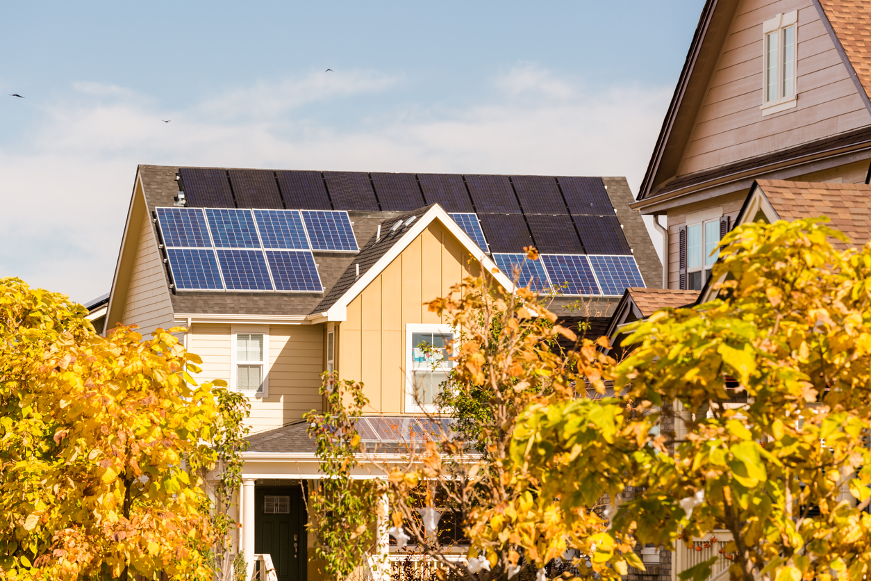 800 mil casas populares vão ganhar energia solar no Reino Unido