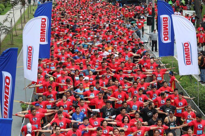 Participantes da corrida de rua Global Energy Race