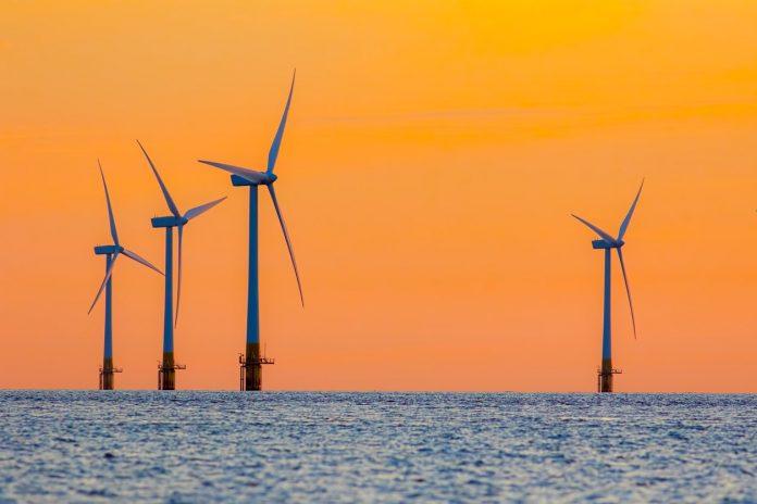 parque eólico em alto mar (offshore)