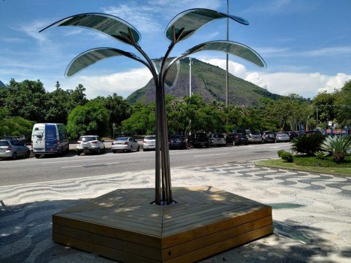 árvore placas solares