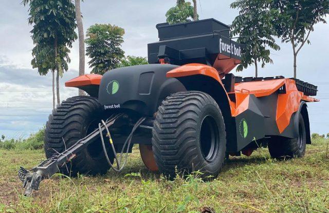 Brasileiro cria máquina capaz de plantar 4 mil árvores por hora
